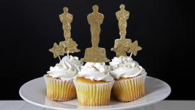 Celebrate the Academy Awards with Red Carpet-Ready Cupcake Toppers