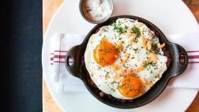 """Here Are 6 Of The Most """"Egg-celent"""" Easter Brunches We Found Around Boston 